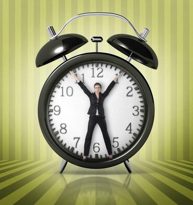 mulher mãe relógio (Foto: Thinkstock)