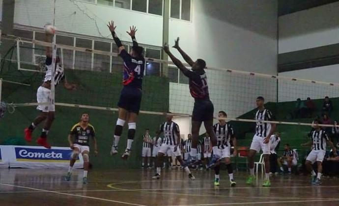 Mogi x Santos Paulista sub-21 (Foto: Juliana Kageyama)