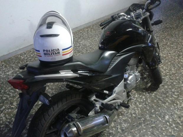 Moto foi roubada no mês de julho em Divinópolis (Foto: Polícia Militar/Divulgação)