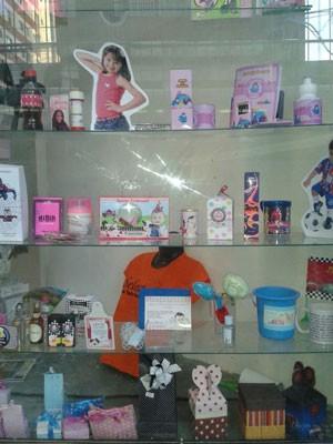 Carina ampliou leque para outros produtos, como canecas, brindes e lembrancinhas (Foto: Arquivo Pessoal)