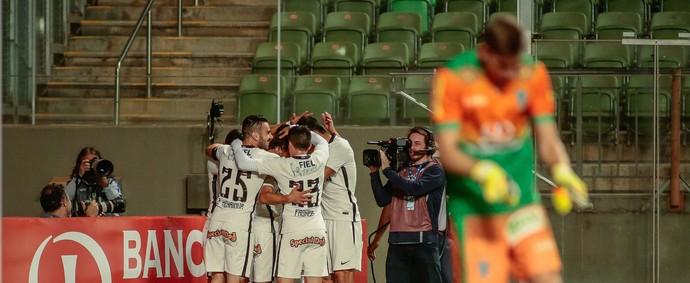 Gol América-MG x Corinthians (Foto: Estadão Conteúdo)