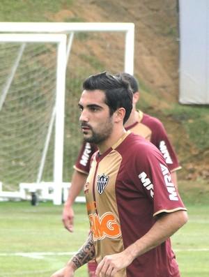 Escudero, treino do Atlético-Mg (Foto: Fernando Martins / Globoesporte.com)