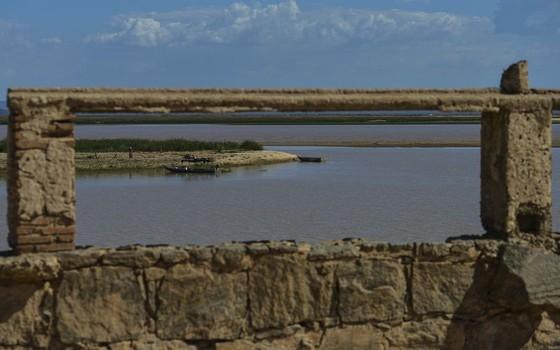 Seca expõe ruínas de cidade alagada na Bahia para construção do reservatório de Sobradinho, o maior do Nordeste (Foto: Marcello Casal Jr/Agência Brasil)