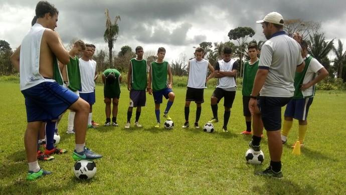 Equipes sub-16 e 20 do Rondoniense voltam aos treinos  (Foto: Lívia Costa)