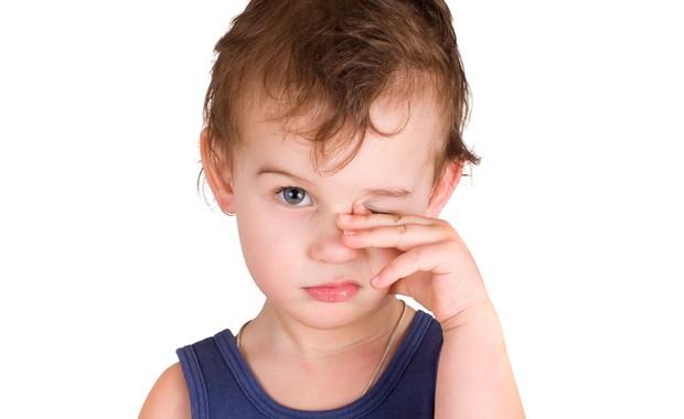 Criança com sono (Foto: Shutterstock)