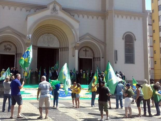 Protesto, Vem pra Rua, Pouso Alegre, MG (Foto: Daniela Ayres/G1)