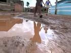 Lama de obra de rodovia invade ruas e quintal de casas em temporal de 1h