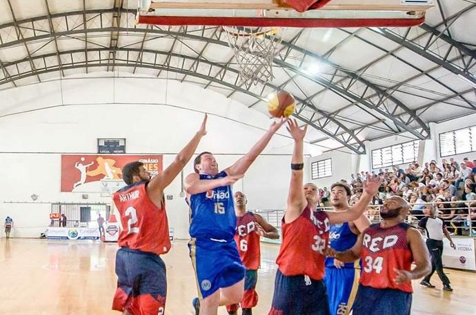 Copa Espírito Santo de basquete: RED x Domingos Martins (Foto: www.facebook.com/leosilveira2014)