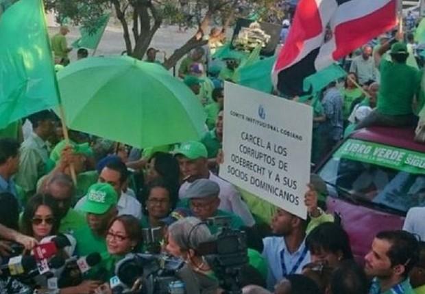 Milhares vão às ruas de cidade dominicana pedir justiça no
