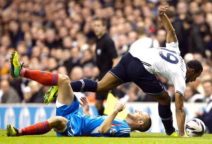 Tottenham e Hull City (Foto: Agência Reuters)