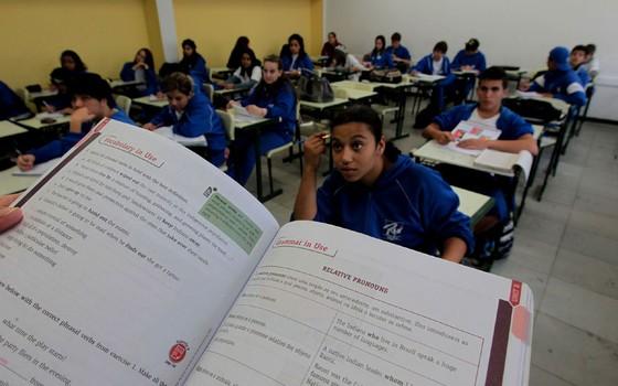 Aula de inglês em escola do Ensino Médio (Foto: PAULO LIEBERT/ESTADÃO CONTEÚDO/AE)