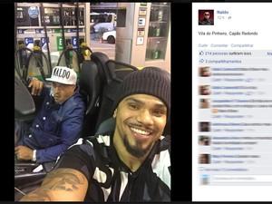 Funkeiro Naldo publica foto ao lado de Mano Brown, vocalista dos Racionais MC's (Foto: Reprodução/Facebook)