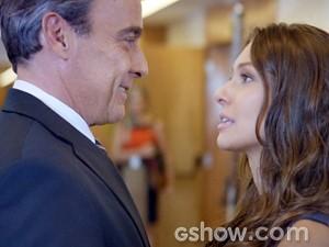 Fernanda pede Thomaz em namoro (Foto: Além do Horizonte/TV Globo)