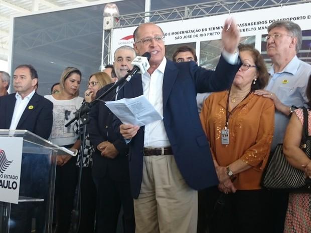 Alckmin em inauguração da obra de expansão do aeroporto de Rio Preto (Foto: Renata Fernandes/G1)