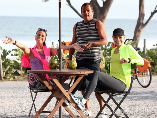 Giovanna Antonelli e Julia Lemmertz transbordam simpatia (Foto: Carol Caminha/TV Globo)