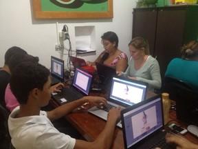 Equipe vota pela candidata a Miss Bumbum Lívia Santos (Foto: Divulgação)