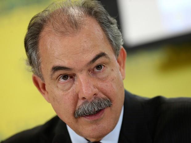 15/03/2016 - O Ministro da Educação Aloizio Mercadante durante coletiva de imprensa em Brasília (Foto: Adriano Machado/Reuters)