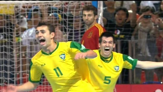 """Fora do Mundial, Neto anuncia saída da seleção de futsal: """"Encerro um ciclo"""""""