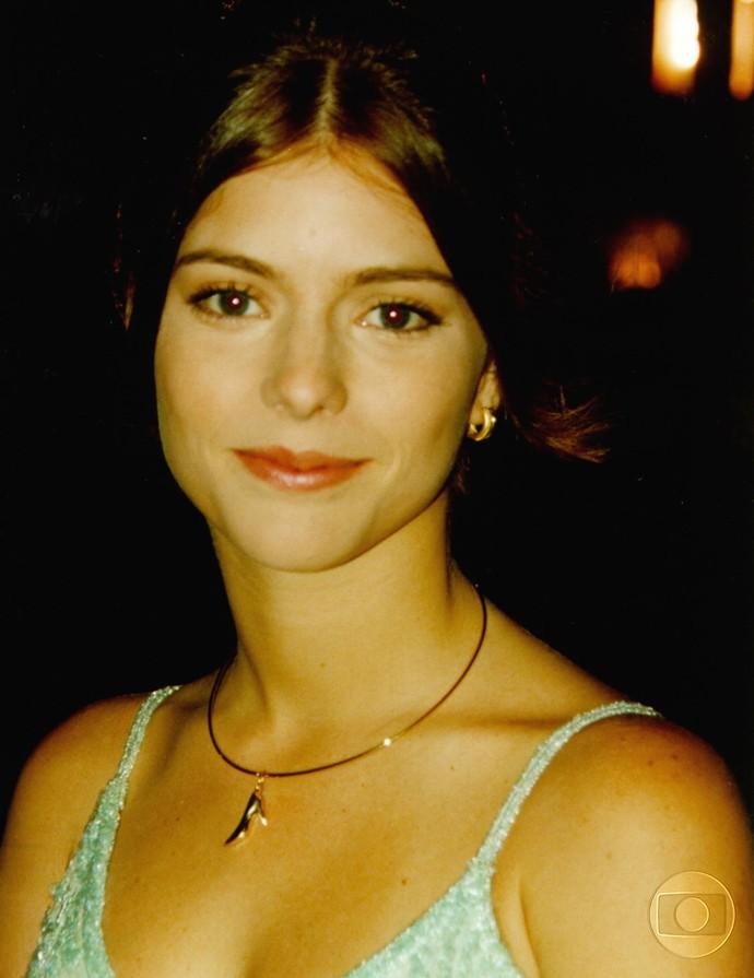 Como a personagem Camila, na novela 'O Amor Está no Ar', em 1997 (Foto: Acervo - TV Globo)