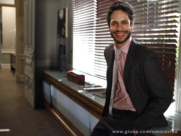 Rainer Cadete é o advogado Rafael (Foto: Amor à Vida / TV Globo)