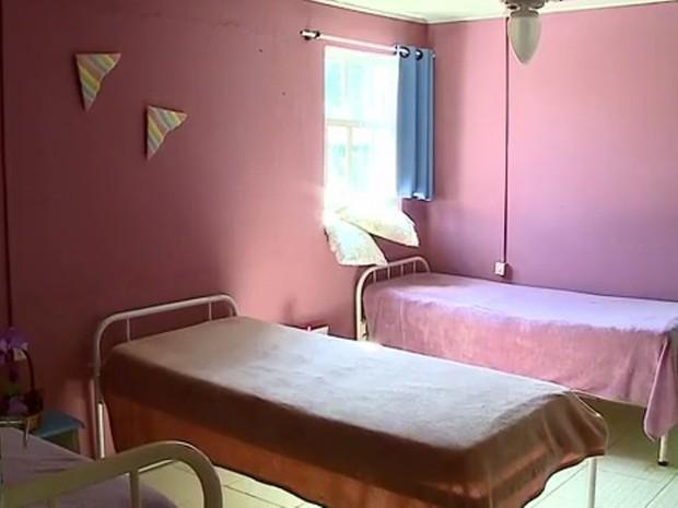 Segundo o MP, idosos viviam em condições inadequadas em Forquilhinha. (Foto: Reprodução/RBS TV)