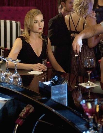 Emily VanCamp interpreta Emily Thorne em 'Revenge', série exibida no Brasil pelo SOny (Foto: Divulgação)