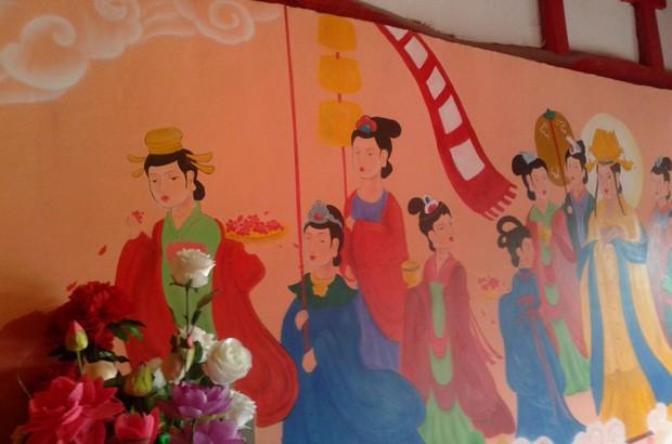 Afrescos antigos foram cobertos por 'pinturas infantis' na China (Foto: AFP)