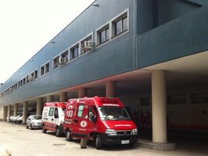 Feridos foram levados para o Hospital Souza Aguiar (foto) (Foto: Bernardo Tabak / G1)