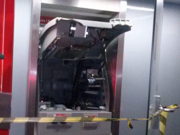 Dispositivo foi colocado no equipamento para liberar o dinheiro  (Foto: Divulgação/ Guarda Municipal de Botucatu)