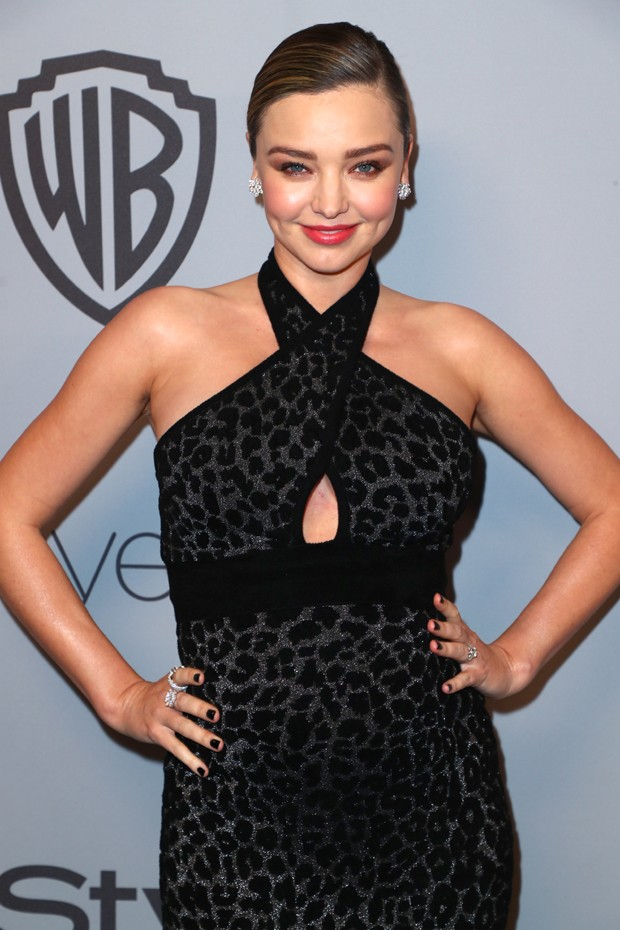 BEVERLY HILLS, CA - JANUARY 07:  Model Miranda Kerr attends the 2018 InStyle and Warner Bros. 75th Annual Golden Globe Awards Post-Party at The Beverly Hilton Hotel on January 7, 2018 in Beverly Hills, California.  (Photo by Joe Scarnici/Getty Images for  (Foto: Getty Images for InStyle)