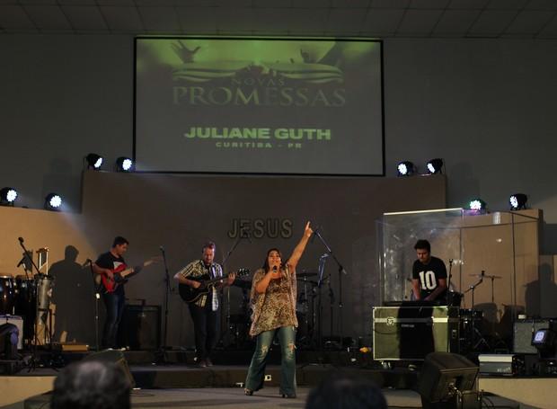 Juliane Guth foi a primeira a se apresentar na 3ª Edição do Festival (Foto: Rafael Veraldo/ RPC)