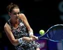 Radwanska bate Pliskova em jogo de oito quebras e avança no WTA Finals