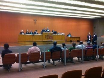 Julgamento da chacina de Felisburgo, em Belo Horizonte (Foto: Pedro Triginelli/G1)