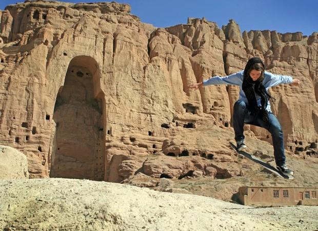 ONG usa o skate para educar jovens e torna o esporte o mais praticado por mulheres no Afeganistão