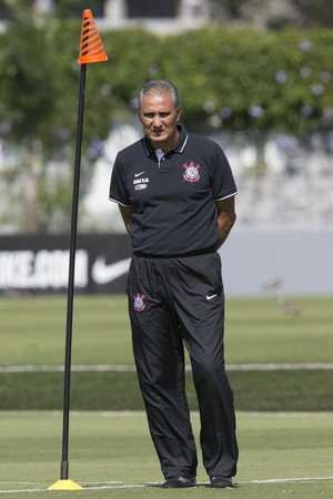 Tite no treino do Corinthians (Foto: Daniel Augusto Jr/Ag. Corinthians)