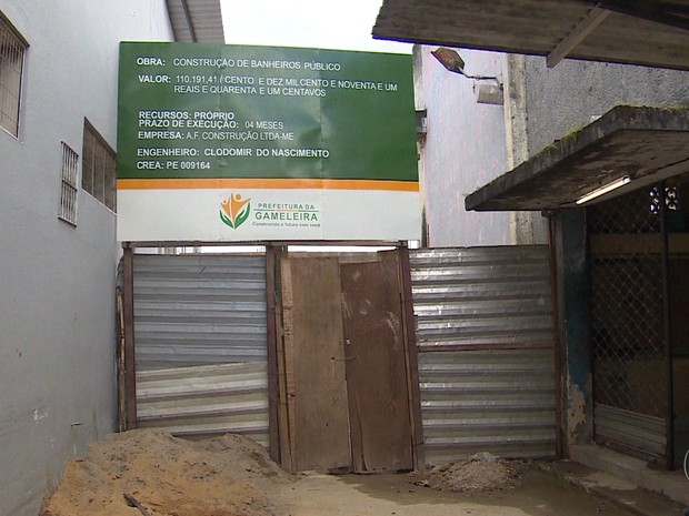 Obras que começaram no período eleitoral estão paradas na cidade de Gameleira, segundo moradores (Foto: Reprodução/TV Globo)