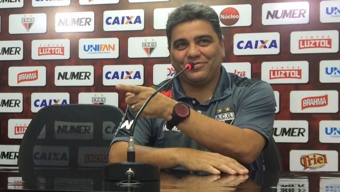 Marcelo Cabo - técnico do Atlético-GO (Foto: Fernando Vasconcelos / GloboEsporte.com)