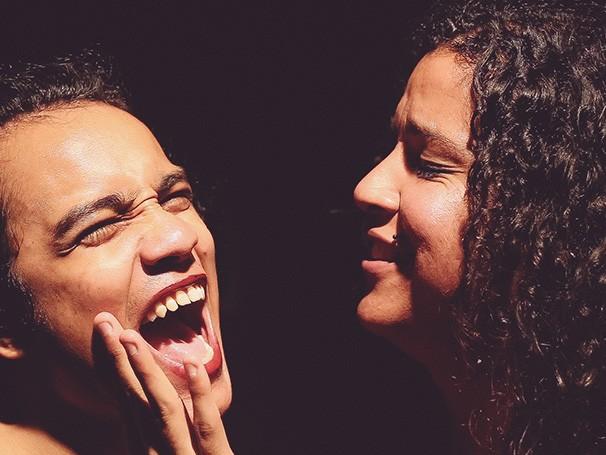 A peça narra a história de Dandara, uma atriz que quer encenar a sua biografia no cinema (Foto: Divulgação/Rodrigo Menezes)