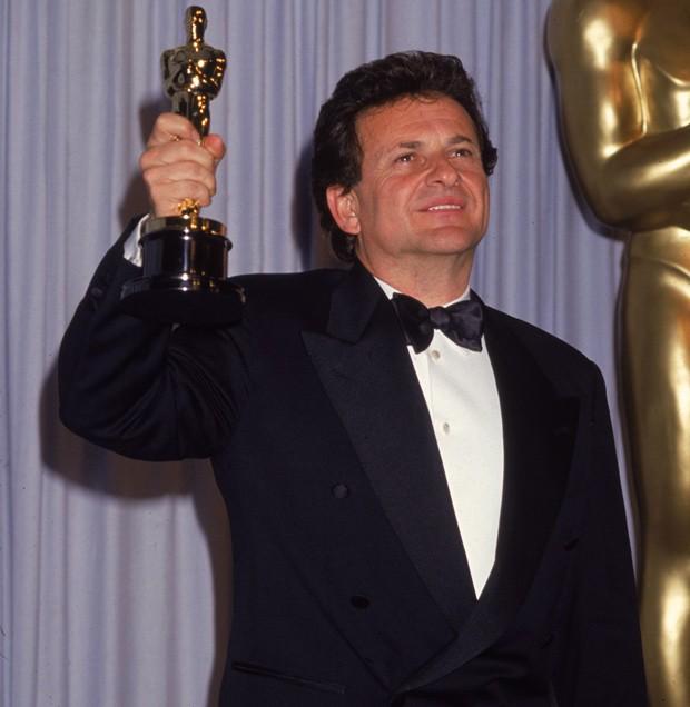 Joe Pesci leva Oscar de melhor ator coadjuvante por 'Os Bons Companheiros', em 1991 (Foto: Getty Images)