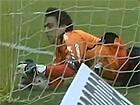 Ridiculous Goalkeeper FAIL: Michel Alves (Criciuma) throws the ball into his own net v America Mineiro