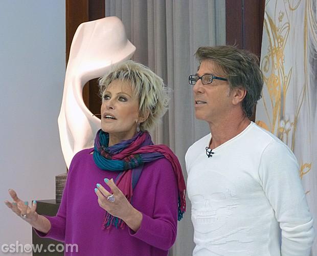 Ana e Jairo De Sender observam as transformações na Casa de Cristal (Foto: Mais Você/TV Globo)