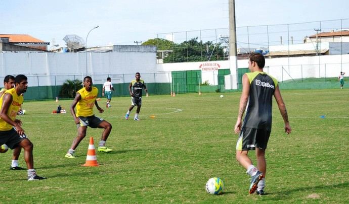 Jogadores da Cabofriense se preparam para a Série D (Foto: Andreia Maciel/Divulgação)