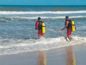 Corpo de turista colombiano foi resgatado por bombeiros em Ilhéus (Foto: Divulgação/Corpo de Bombeiros)