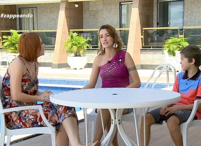Repórter Jéssica Monteiro faz matéria especial sobre Dia das Mães (Foto: Zappeando)