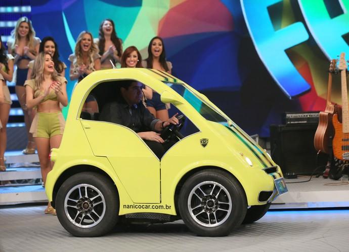 O carro Nanico no palco do Faustão (Foto: Isabella Pinheiro/Gshow)
