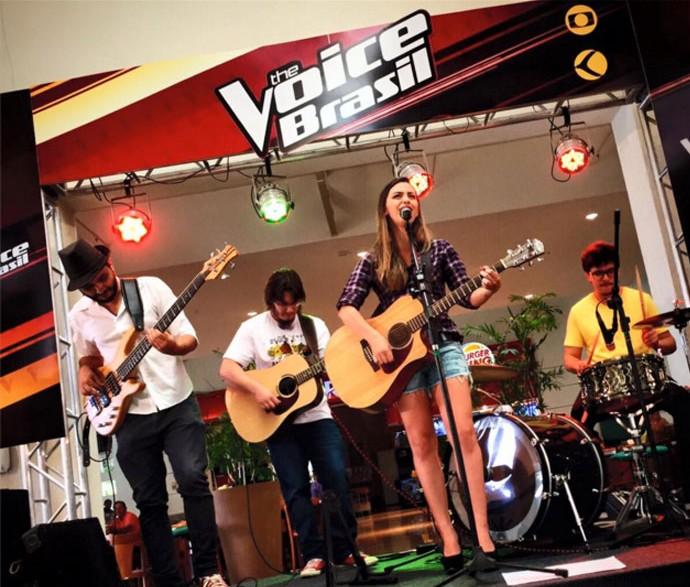 Mineira Juliana Gomes participou da primeira edição do The Voice Brasil  (Foto: Raul Neto)