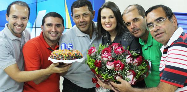 Apresentadora Gilka Mafra e a sua equipe de TV (Foto: Divulgação/ Serivaldo Júnior )