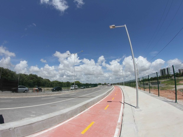 Pista leste da Via Mangue (Foto: Aldo Carneiro/Pernambuco Press)