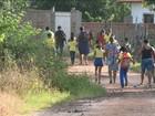Pais reclamam da falta de transporte escolar em comunidade rural de SL