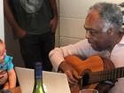 Gilberto Gil faz música para a bisneta e Preta mostra um trecho em encontro